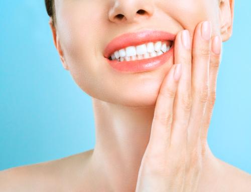 Cómo aliviar la sensibilidad después del blanqueamiento dental
